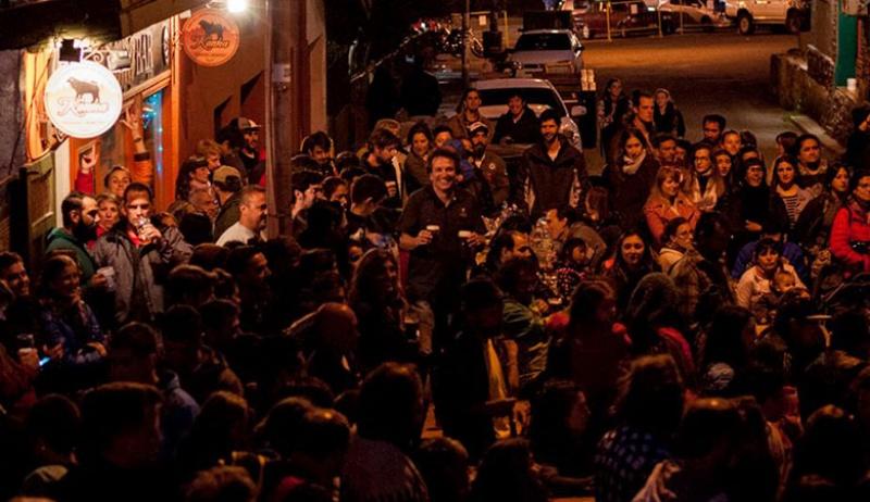 Cerveza y música en el centro de Bariloche